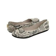 This French Sole ballet flats will go perfect with black AG skinnys and are a great summer look.