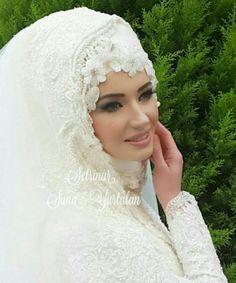 wear white hijab