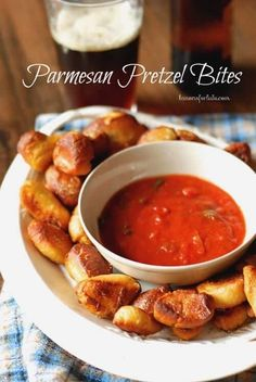 Homemade soft pretzel bites with Parmesan Cheese and Italian Seasoning. Served with marinara dipping sauce. Finger Food Appetizers, Yummy Appetizers, Appetizers For Party, Appetizer Recipes, Snack Recipes, Cooking Recipes, Tailgate Appetizers, Appetizer Ideas, Top Recipes
