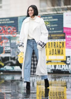 Best Paris Fashion Week Street Style Fall 17 | StyleCaster White trench, mom jeans