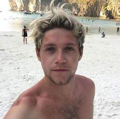 Niall Horan vacations 2016