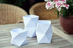 Windlichter oder Vasen aus Papier gefaltet