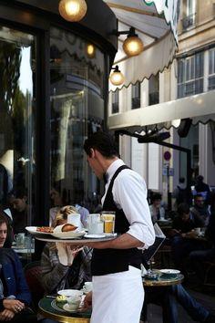 love cafes in Paris