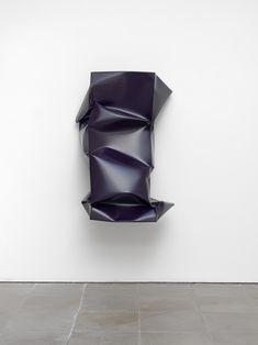 Angela-de-la-Cruz-sculptures-7