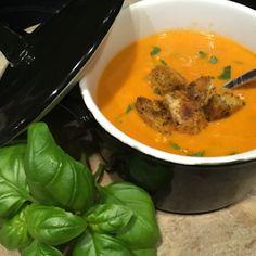 Tomatensoep met mascarpone, zongedroogde tomaatjes en basilicum - Lekker eten met Marlon