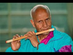 Spiritual Master Sri Chinmoy plays the flute at Kyoto Station, Japan 6 Photos, Japanese Culture, Kyoto, Spirituality, Music, Flute, Plays, Youtube, Musica