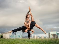 #acroyoga for strengthening your #relationship. We love to play on the grass with @batikarma recycled yoga towels