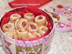 4-Jahreszeiten-Küche und Bastelstube: Erdbeer-Amarettorahm-Gugls für Muttertag