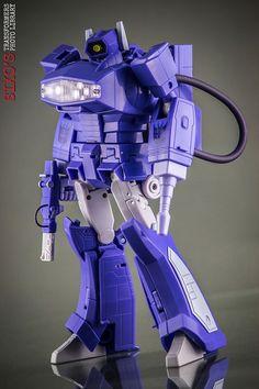 Transformers Masterpiece MP-29 Laserwave (Shockwave)