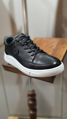 Black Sneakers, Black Shoes, Men's Shoes, Simple Shoes, Casual Shoes, Slim Fit Tuxedo, Best Shoes For Men, Leather Heels, Code Black