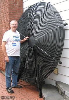 Home Discover DIY Solar Pool Heater - could be a nice rounded walkway cover around bathroom corner to hot tub deck. Renewable Energy, Solar Energy, Solar Power, Wind Power, Diy Heater, Diy Solar Pool Heater, Homemade Pool Heater, Solaire Diy, Alternative Energy