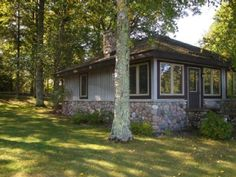 Manitowish Waters cottage rental - Exterior view of McCubby lakeside.