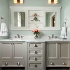 Love The Built In Medicine Cabinet Mirror Combo And Vanity With Drawers Down Shari Yankovich Martinez Master Bathroom