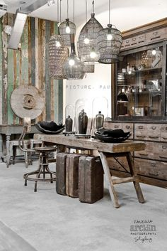Awesome Industrial Style Decor Designs That You Can Create For Your Urban Living Space Apartment Industrial Design Industrial Living, Rustic Industrial, Industrial Furniture, Reclaimed Furniture, Pipe Furniture, Furniture Vintage, Industrial Design, Furniture Design, Refinished Furniture