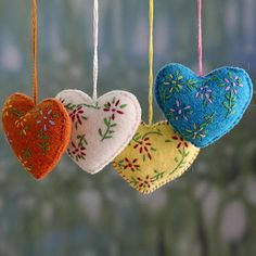Wool ornaments, 'Holiday Hearts' (set of 4) - Hand Made Holiday Ornaments in…