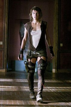 Resident evil ATTENTION to legging twists