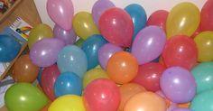 An diesem Vormittag drehte sich alles um den Luftballon. Diese lustige Gesellen schmückten den Raum: Luftballonbett Einen alten Bett...