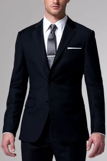 The-Essential-Navy-Suit