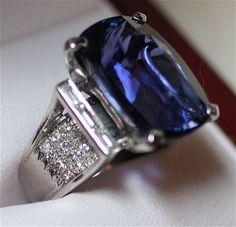 17.62ct Tanzanite Diamond 18k white gold ring
