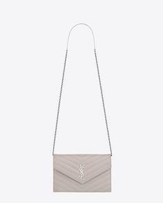 Envelope chain wallet mattelasse icy white silver