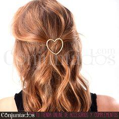 El #pasador de #pelo con forma de #corazón es una monada, ¿verdad? ★ 4,95 € en http://www.conjuntados.com/es/para-tu-pelo/pasadores-y-horquillas/pasador-de-pelo-corazon.html ★ #novedades #paratupelo #heart #conjuntados #conjuntada #accesorios #complementos #moda #fashion #fashionadicct #picoftheday #outfit #estilo #style #GustosParaTodas #ParaTodosLosGustos