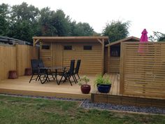 Jacksons Decking, Jakwall, and Venetian Fence Panel for privacy http://www.jacksons-fencing.co.uk/pages/multimedia/db_image.image?CrnID=-1&id=18449&width=279&height=200&quality=80&crop=True&percent=100&vm=0