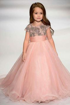 Baby couture tutu dresses gives your baby full comfort with fairy princess gown feel. The tutu flare looks amazing and give adorable look. Cute Flower Girl Dresses, Little Girl Dresses, Pretty Dresses, Flower Girls, Gowns For Girls, Dresses Kids Girl, Girl Outfits, Girls Dresses Online, Fashion Kids