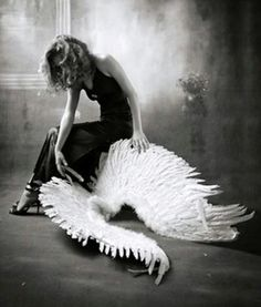 Fallen Angel - take these broken wings and learn to fly again. My Demons, Angels And Demons, Broken Wings, Broken Soul, Ange Demon, Dark Angels, Fallen Angels, White Angel, Angels Among Us