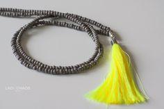 Ketten lang - Kette mit Quaste - neongelb + grau - ein Designerstück von lady_chaos bei DaWanda