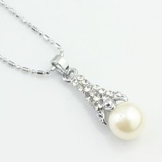 Simple dapos;argent strass collier
