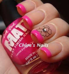 i wish i was able to do stuff like this to my nails. but i cant cause of work and i cant cause ill pick it or chew it off the next day.... :(