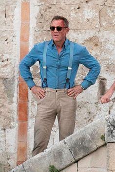 Daniel Craig caked in fake blood while shooting James Bond No Time to Die - Mirror Online James Bond Suit, James Bond Style, New James Bond, James Bond Movies, Daniel Craig Style, Daniel Craig James Bond, Daniel Graig, Lapo Elkann, Hollywood Men