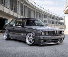 BMW E30 Coupe Bmw E30 Stance, Bmw E30 Coupe, Bmw E21, Rat Look, Bmw 3 Series, Bmw Cars, Dream Cars, Vintage, Dream Garage