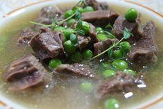 Rindfleischsuppe Dieses Rezept  ist meine Version der Rindfleischsuppe und schmeckt wie die von der Oma.
