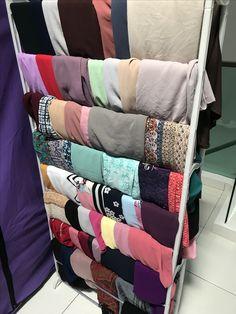 Shoes rack to shawl organizer Clothes Hanger Storage, Hanger Rack, Organizers, Interior Ideas, Shoe Rack, Shawl, Organization, Blanket, Clothing