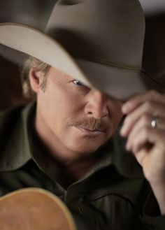 Alan Jackson: Where were You, Remember When, Chattahoochee, It's Five O'clock Somewhere, Little Bitty, Gone Country, Here in the Real World, Drive, Small Town Southern Man,