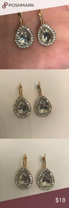 Dazzling Teardrop earrings Gold toned very sparkly teardrop earrings Jewelry Earrings