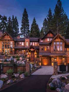 Breathtaking modern mountain retreat with rustic nuances in Lake Tahoe Dream House Exterior, Dream House Plans, Rustic House Plans, Haus Am See, Contemporary Barn, Luxury Homes Dream Houses, Lodge Style, Mountain Homes, Mountain Modern
