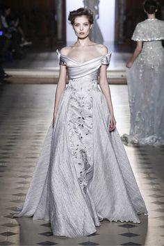 Tony Ward Couture Spring Summer 2017 Paris...More details to recreate in that custom-made wedding dress.