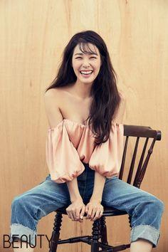少女時代のティファニーがグラビアで多彩な魅力を放った。本日(18日)、ビューティーマガジン「BEAUTY+」10月号はティファニーが参加したグラビアを公開した。今年でデビュー10周年を迎えた少女時代… - 韓流・韓国芸能ニュースはKstyle