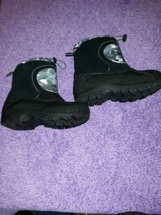 fc49795de433 VERY Warm Gently used Childrens size L 4-5 Sport Brand Snow boots.