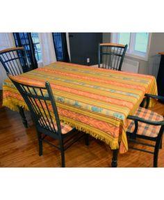 Présentation de la nappe équatorienne jaune Furniture, Home Decor, Yellow, Home Decoration, Homemade Home Decor, Home Furnishings, Decoration Home, Arredamento, Interior Decorating