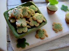 St. patty's day cookies by Kim Saulter 1:12 scale
