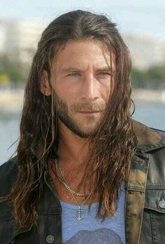 ~Zach McGowan ~Best Known In The Series~Black Sails~As Captain Charles Vane.~V'''''V