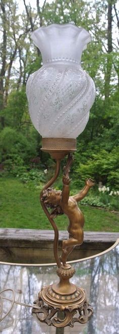 Vintage DARV  Cherub Metal Lamp with Beautiful Frosted and Clear Shade