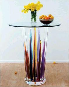 Limpia mesas y ventanas de vidrio, con papel periódico y vinagre de manzana, quedan muy bien!