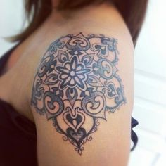 20 Shoulder Mandala Tattoos for Women and Girls (13)- so pretty. :)