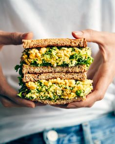 Vegan Sandwich Recipes, Chickpea Salad Sandwich, Veggie Sandwich, Vegetarian Recipes, Healthy Recipes, Chickpea Tuna, Vegetarian Lunch, Tofu Recipes, Whole Food Recipes