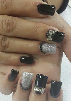 #nailsdesign  #nailart #uñas #diseños #black #silver #elegant