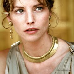 Sienna Guillory as Helen of Troy. - Sienna Tiggy Guillory (born 16 March is an English actress, and former model. Helen Of Troy, English Actresses, Actors & Actresses, Roman Goddess Of Love, Sienna Guillory, Goddess Names, Beautiful People, Beautiful Women, Rufus Sewell